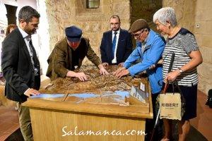 En Monumenta Salmanticae Salamanca se toca con los dedos