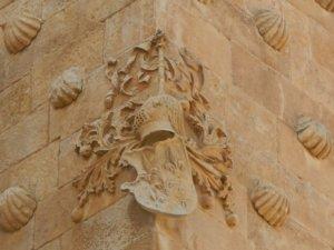 Casa de las Conchas Homenaje a Julián Álvarez Villar Su libro Heráldica Salmantina en nuestras manos Salamanca Junio 2018