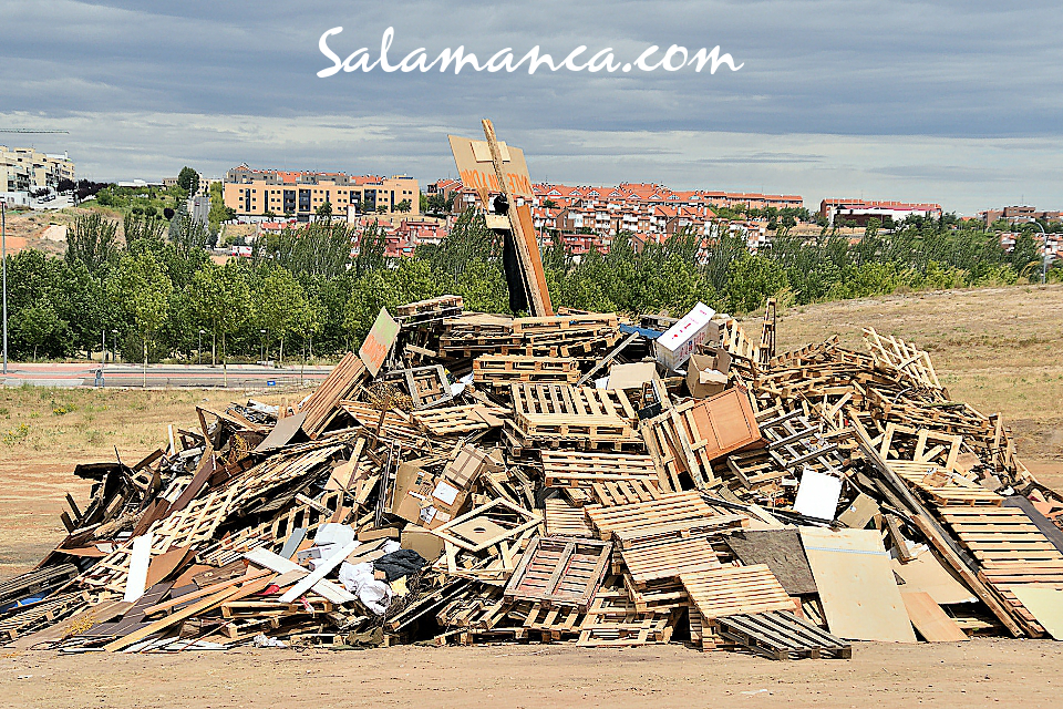 Salamanca Hoguera de San Juan Junio