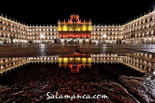 Salamanca y su Plaza Mayor de bandera
