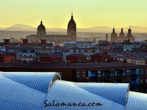 Salamanca brilla al caer la tarde