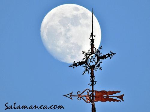 Salamanca, Luna y Catedral Nueva