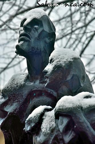 Lazarillo y ciego compartiendo nieve