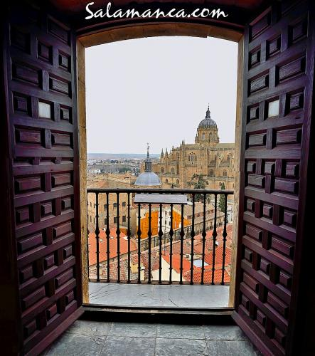 Salamanca y abriendo la ventana
