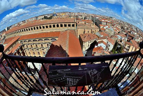 Salamanca, desde las alturas de la Clerecía y su Patio Barroco