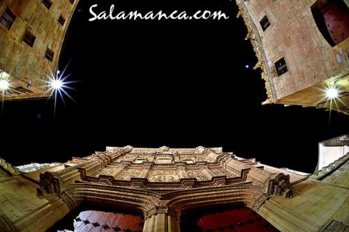 Salamanca, a los pies de su Universidad