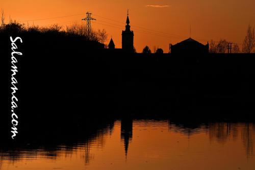 Salamanca, esos atardeceres de primavera cuando el Tormes coge prestadas luces del cielo