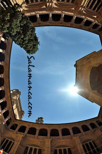 Salamanca y sus claustros con encanto... San Esteban