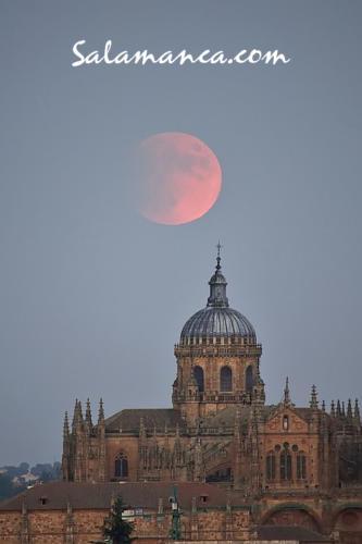 Salamanca, de Luna Llena y eclipse