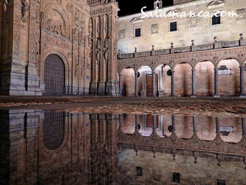 """San Esteban... """"un plateresco fundido / con piedras de Salamanca"""""""