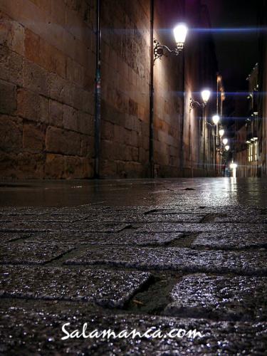 Salamanca, calles mojadas y noches empedradas