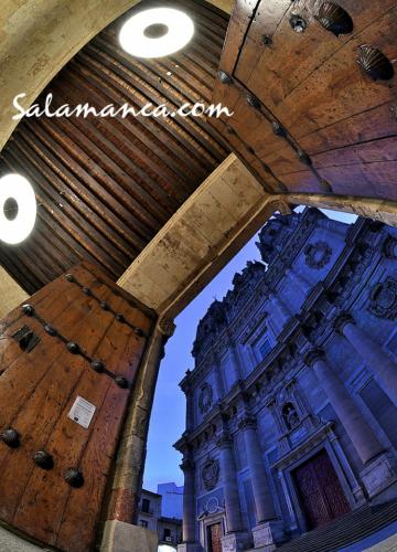 Salamanca, abrir puertas para contemplar colosos