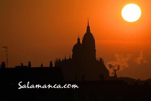 Salamanca amanece de colores tras el alba