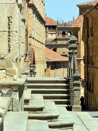 Bosque de piedras, laberinto de escaleras... Calle Compañía
